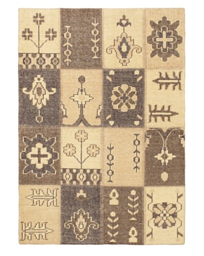Hand-Knotted Ushak Patch Wool Rug, Cream, 4' 6 x 6' 6