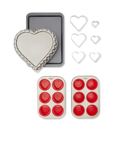 Kaiser Bakeware Heart Baking Set