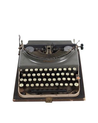 Remington Vintage Typewriter, Grey/Tan